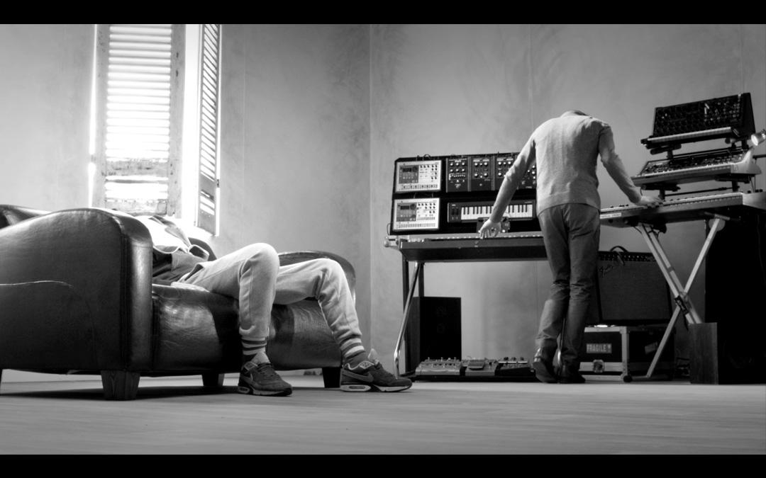 extrait 2 du clip vidéo Rien réalisé par Romain Winkler