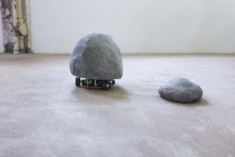 L'oeuvre sailing stone réalisée par jonathan bréchignac